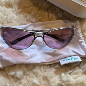 Oakley sunglasses. Almost new.